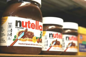 nutella-jars-on-shelf